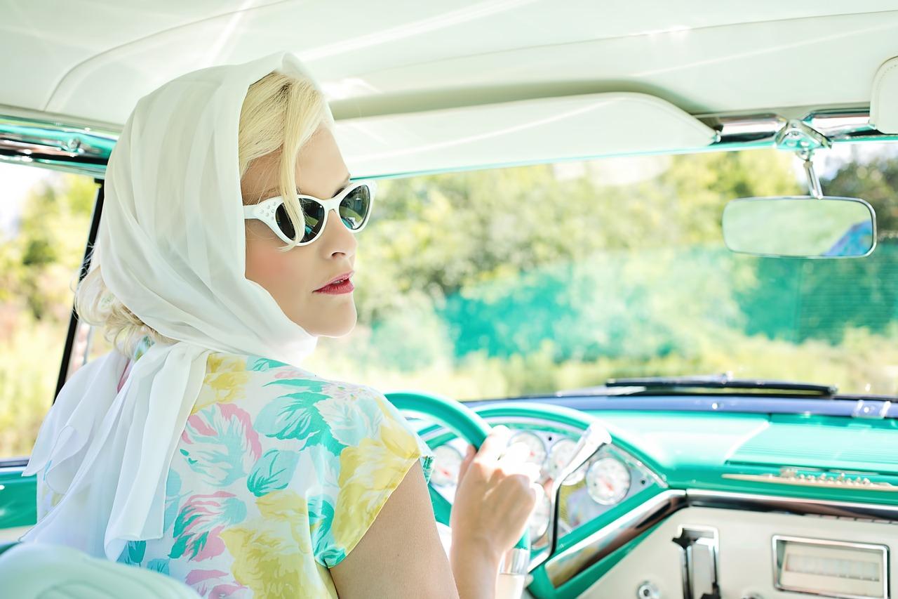 Страхование машины для женщин